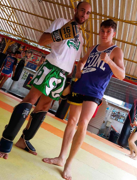 7muaythais-trainers-and-boxers-thanks-to-leone1947-prestigious-italian-company