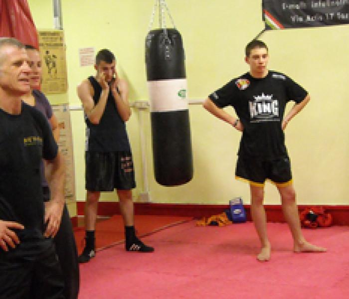 "Master Roberto Bruno and his great ""traveling"" Kick Boxing school"