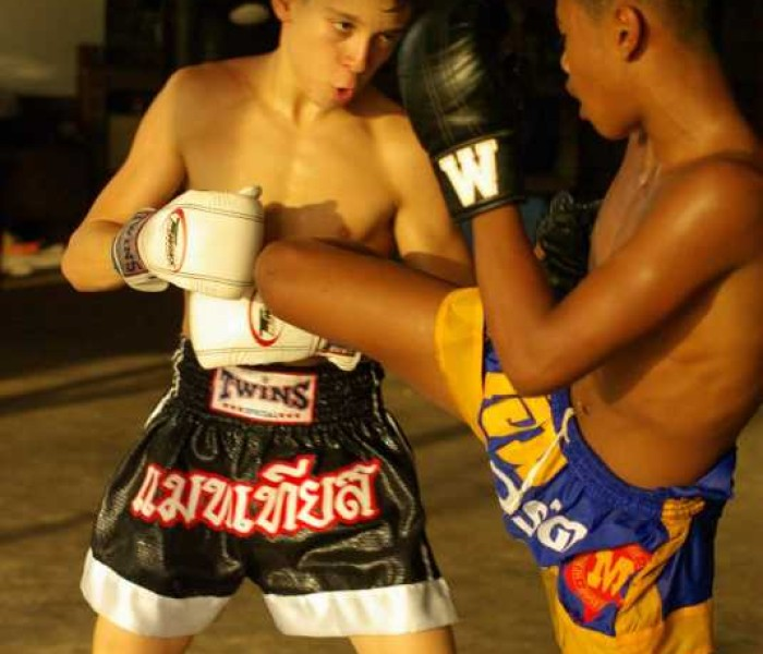 (English) VIDEO MuayFarang Training @Sitsongpeenong