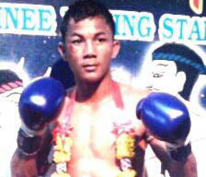 Notizia Flash: Thongchai Sitsongpeenong nuovo campione del lumpinee 144lbs