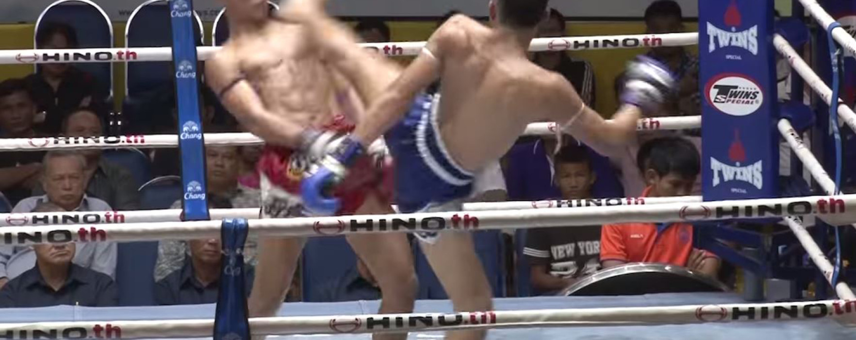 Video: Yodvicha vs Sensatarn & Kongsak vs Chujaroe – New Lumpinee 30/06/2015