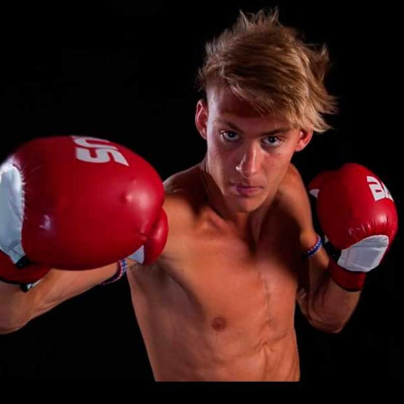 "Flash News: Luca Andreani vs Joe Colville – ""Stile"" – UK 14th November 2015"