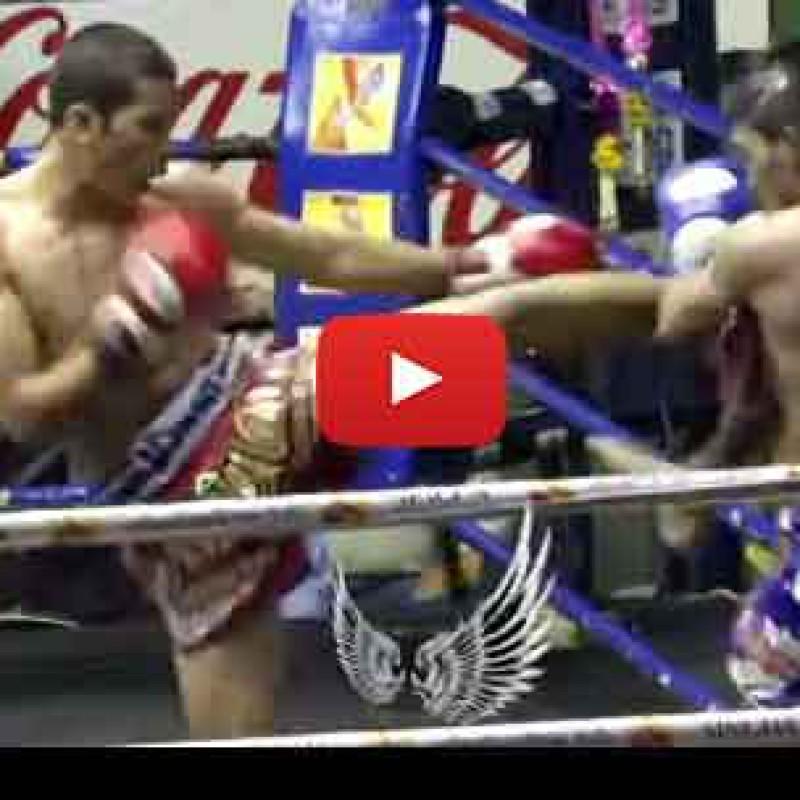 Video: Thaksinlek Kiatniwat vs Rodlek Jaotalaytong – Rajadamnern Stadium – Onesongchai – 29/7/15