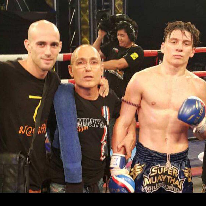 Flash News: Mathias defeats Markleak Sittisukto at Super Muay Thai – 29th May 2016