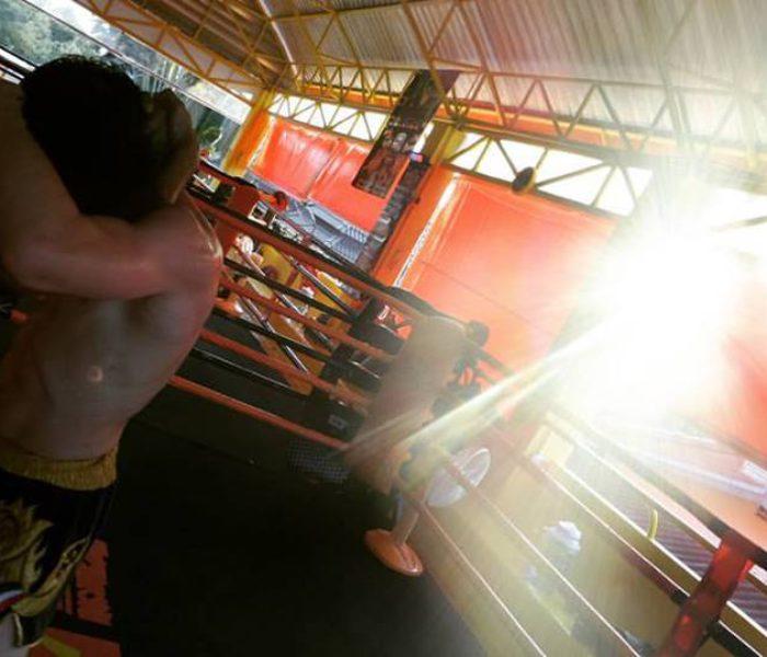 (Italiano) Curiosità: Allenarsi da principiante in Thailandia con veri campioni di Muay Thai