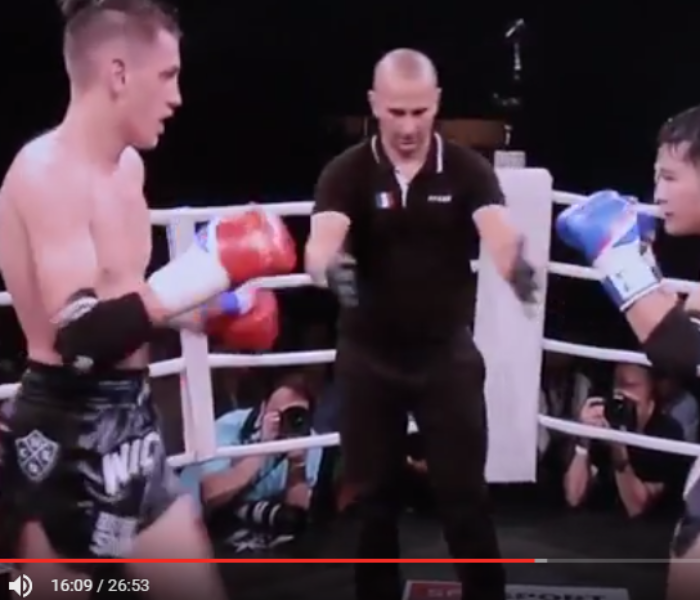 "(English) VIDEO: Brice Delval won against Janjao Sitsongpeenong in ""Best of siam XI"""