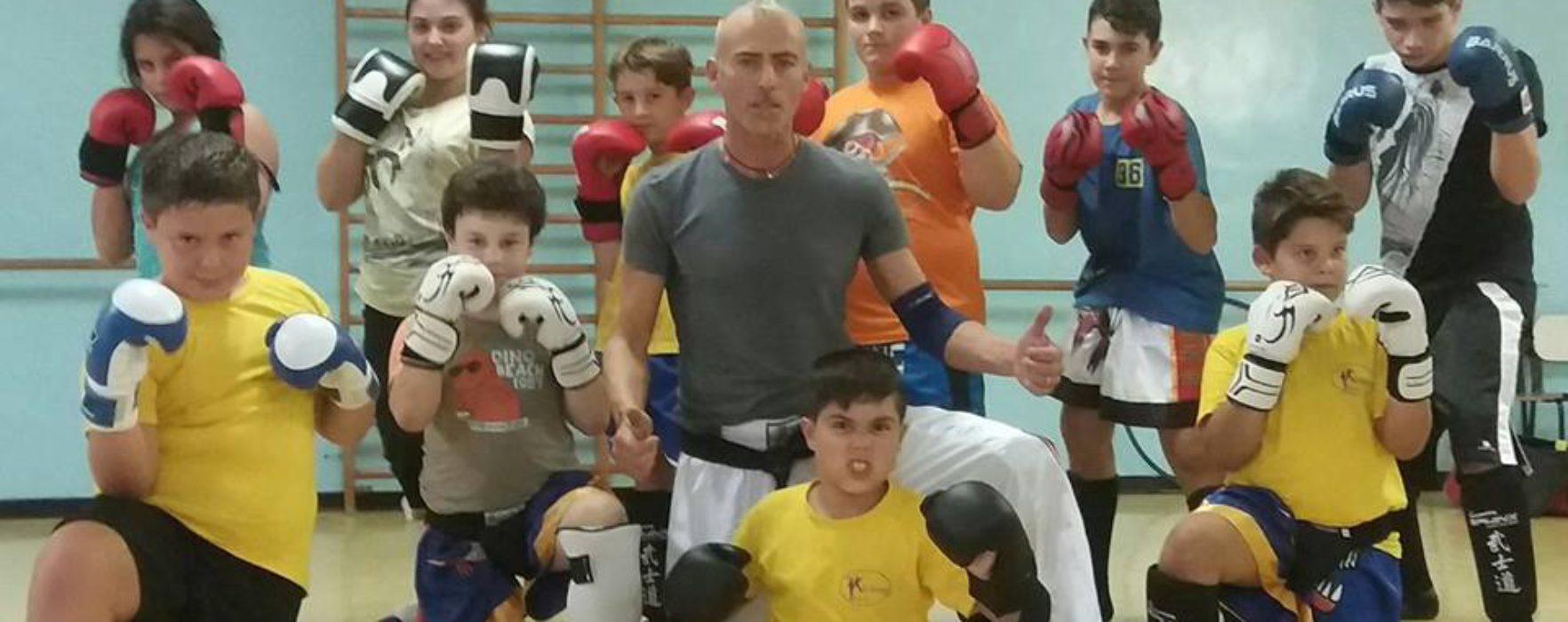 (Italiano) Crescere i ragazzi 'spiritualmente' con la kickboxing: il metodo del maestro Luigi Prato