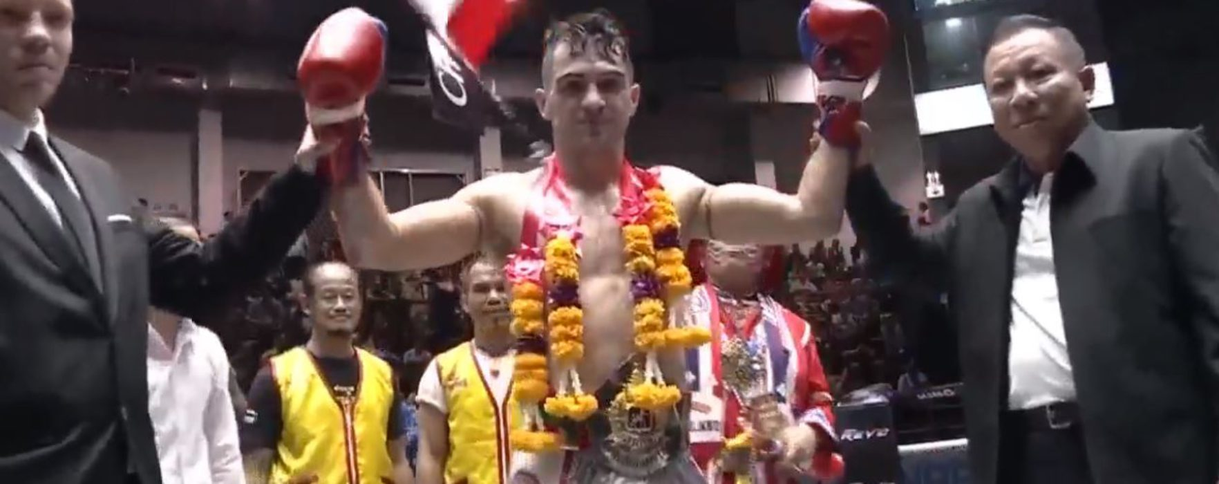 Video: Rafi Bohic KOs Dylan Salvador and defends his Lumpinee title